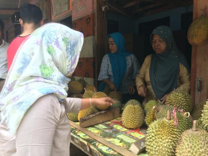 Warung durian Srikandi, Kecamatan Kerjo